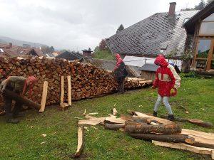 Nur Hartgesottene geniessen den Aktionstag bei strömendem Regen