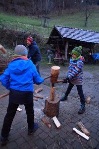 Brennholz für den warmen Ofen